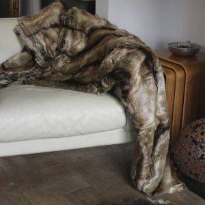 Luxurious Faux Fur Elk Throw