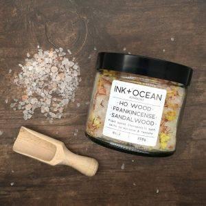 Ho Wood Oil Frankincense and Sandalwood Aromatherapy Bath Salts