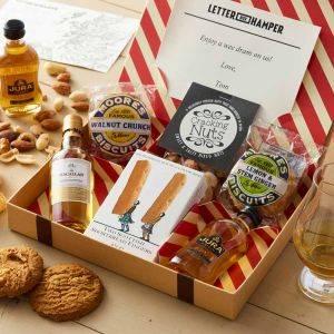 Lovers of Whisky Letterbox Hamper