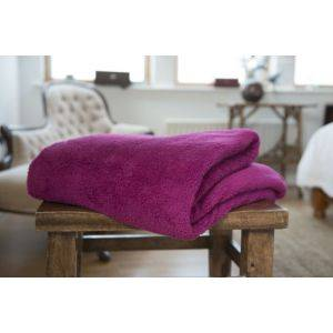 Roosevelt Polyester Throw Berry
