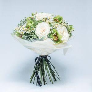 White Avalanche Rose Bouquet